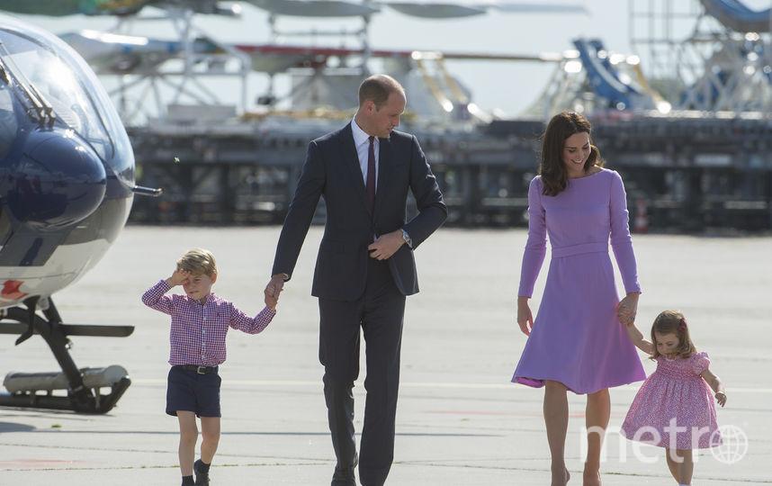 Принцесса Шарлотта с братом Джорджем и родителями. Фото Getty