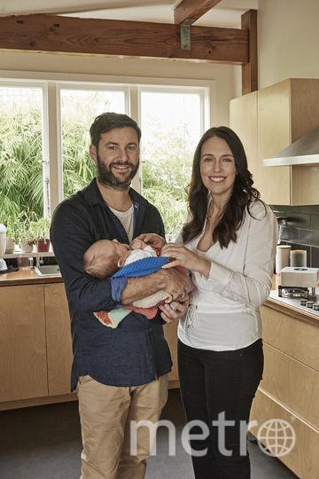 Джасинда Ардерн с мужем и дочкой. Фото Getty