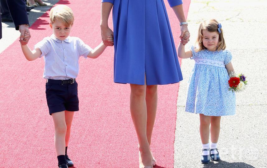 Принц Джордж с сестрой Шарлоттой. Фото Getty