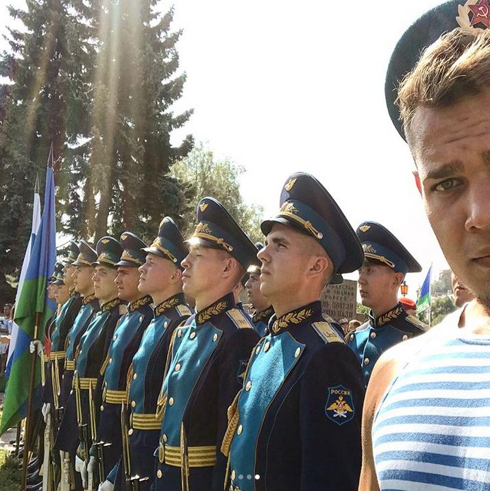 День ВДВ в Петербурге: Instagram заполонили яркие фото праздника. Фото Скриншот Instagram: @__general__instagraam__