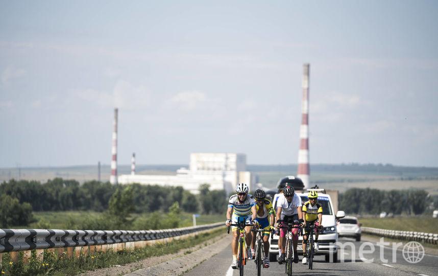 Гонщики отправились на второй по протяженности этап. Фото redbullcontentpool.com | Денис Клеро