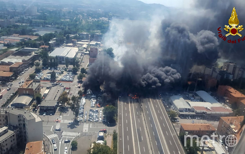 Мощные взрывы прогремели у аэропорта Болоньи в Италии. Фото AFP