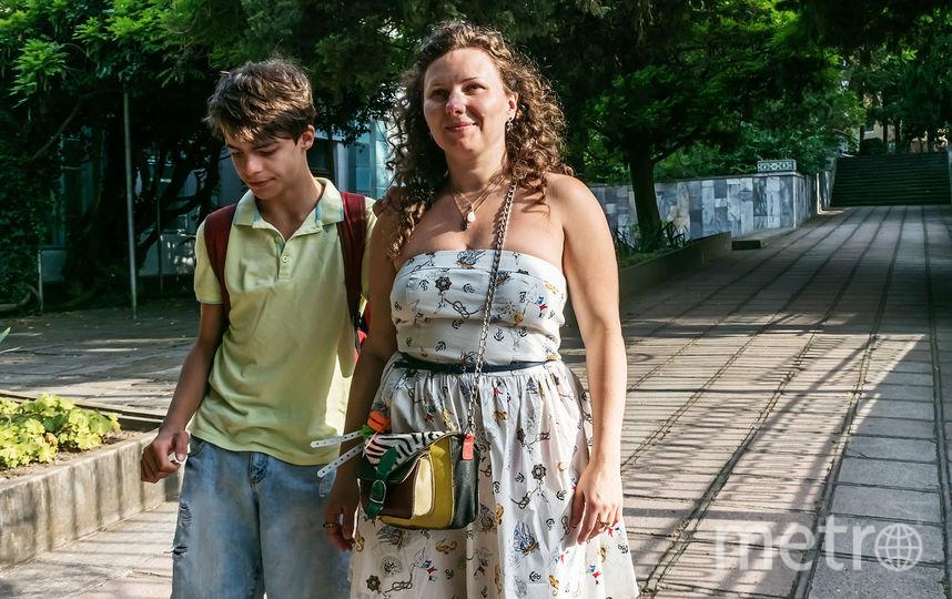 Анастасия с сыном Давидом на отдыхе в Крыму в июне 2018 года. Фото Дмитрий Дубинский