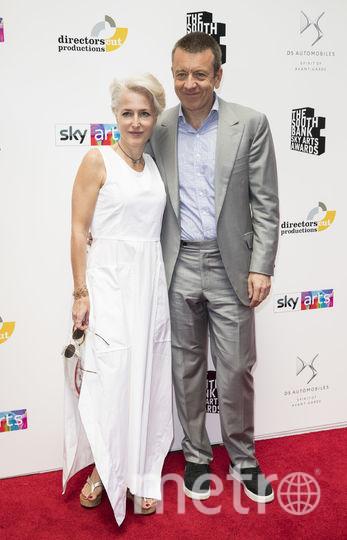 Джиллиан Андерсон и британский сценарист Питер Морган 1 июля 2018 года. Фото Getty