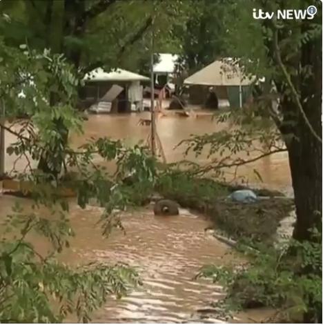 Дожди превратились в сильнейшие потоки воды. Фото скрин-шот, Скриншот Youtube
