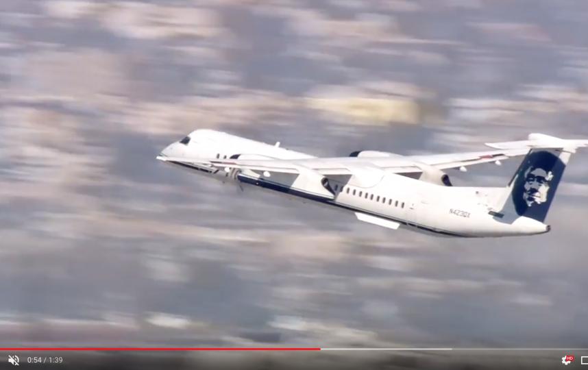 Самолёт марки Horizon Q400, который быз угнан в Сиэтле. Фото скриншот https://www.youtube.com/watch?v=D2-RqLuCnpk