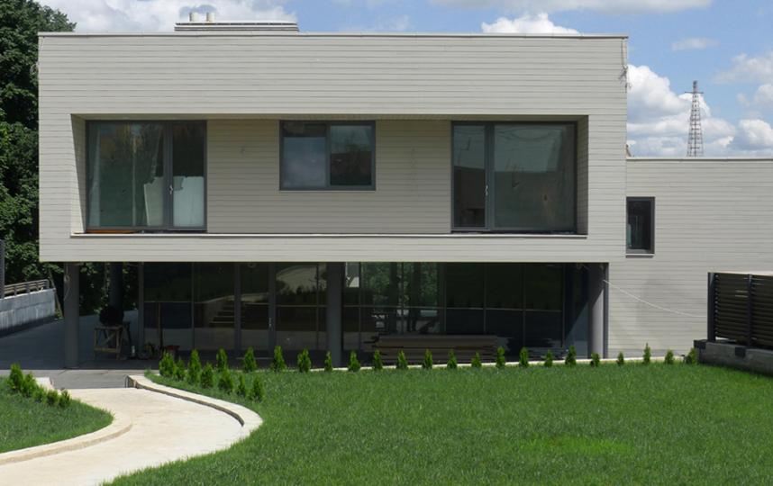 Современный монолитный дом. Фото фото компании Renova-int