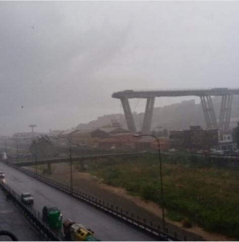 Мост, обвалившийся в итальянской Генуе. Фото Instagram.com/ssvveettyy