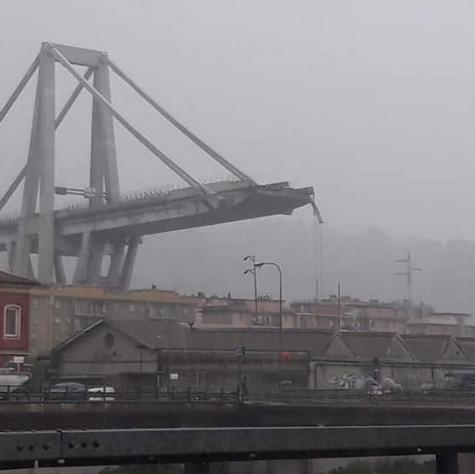Мост, обвалившийся в итальянской Генуе. Фото Instagram.com/mgalateo