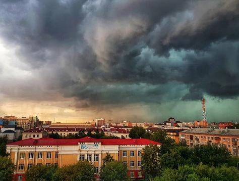 Ураган в Тюмени. Фото instagram/dvmironov1