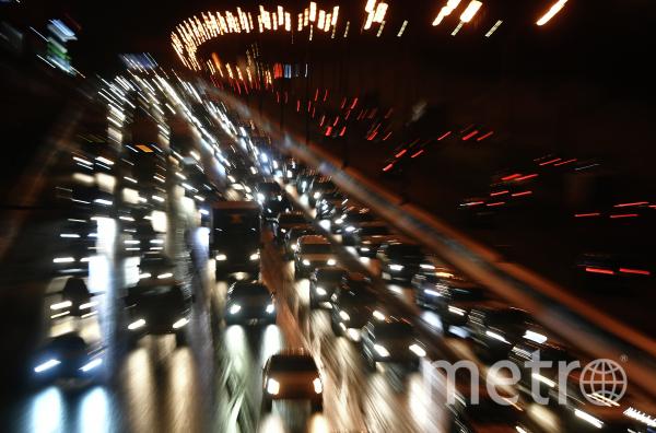 В результате ДТП на МКАДе скончался молодой человек. Фото РИА Новости