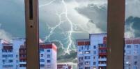 Пользователи соцсетей делятся фотографиями московской грозы