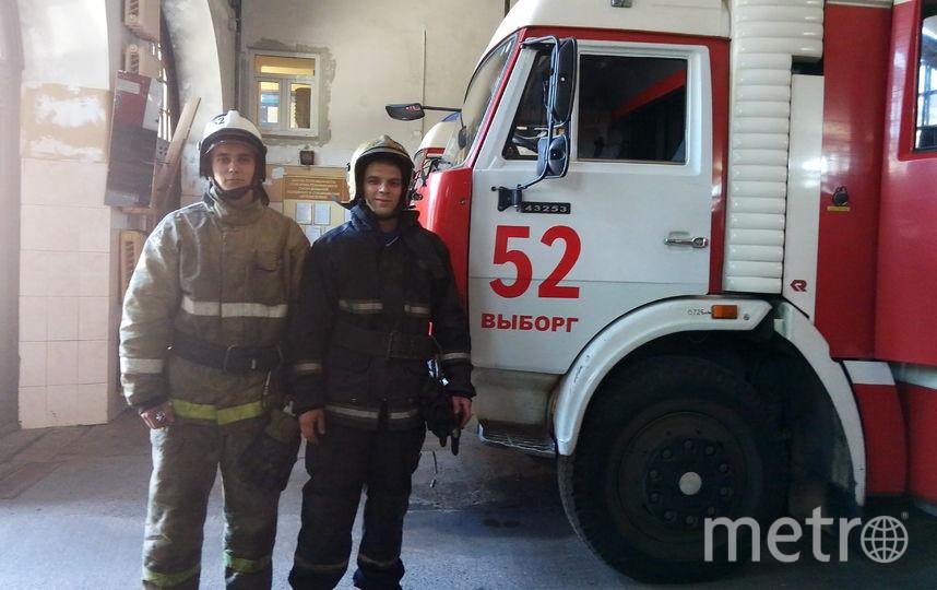 Виктор Гончаров и Артём Ольгейзер. Фото предоставлено пресс-службой МЧС по ЛО