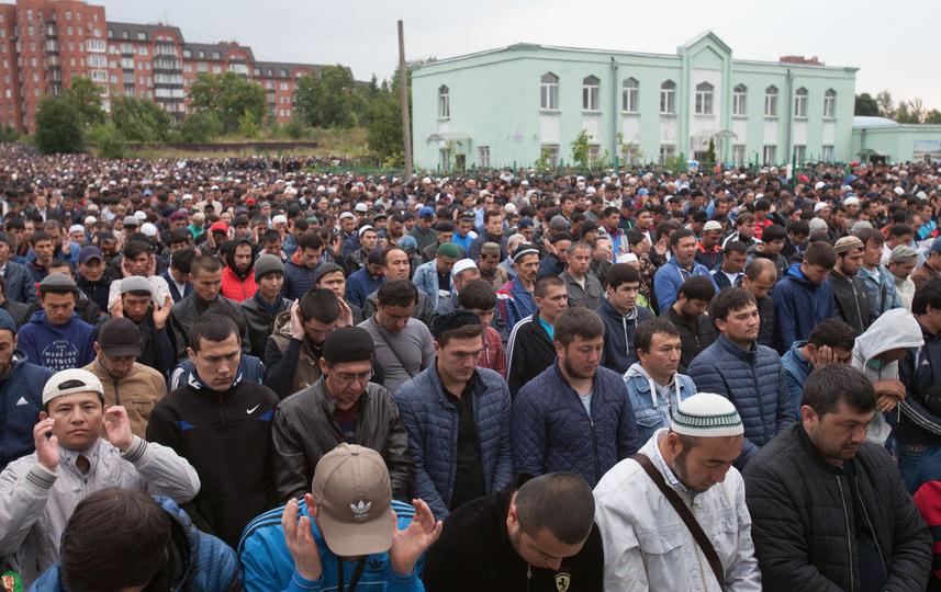 """Курбан-байрам - 2017 в Коломяжской мечети. Фото Святослав Акимов, """"Metro"""""""