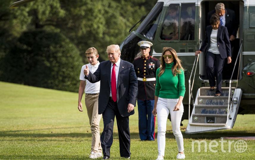 Бэррон Трамп вместе с родителями. Фото Getty