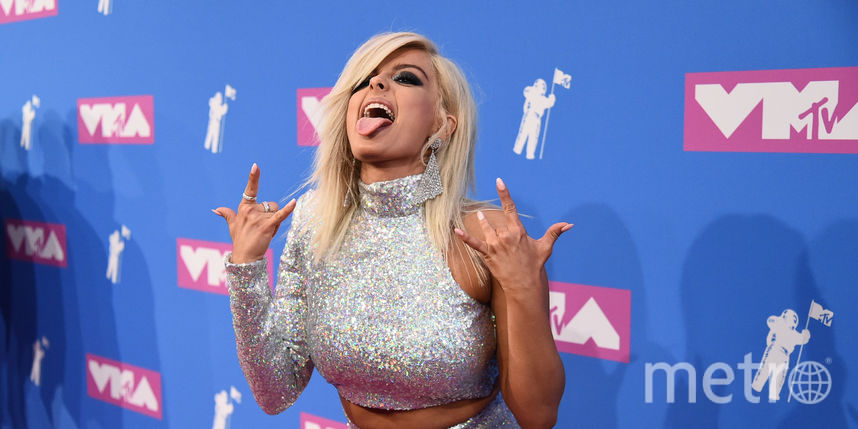 От гламура до скандала: Самые сексуальные наряды звёзд на MTV Video Music Awards