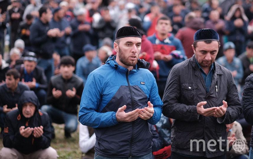 """Курбан-байрам в Коломяжской мечети. Фото Святослав Акимов, """"Metro"""""""