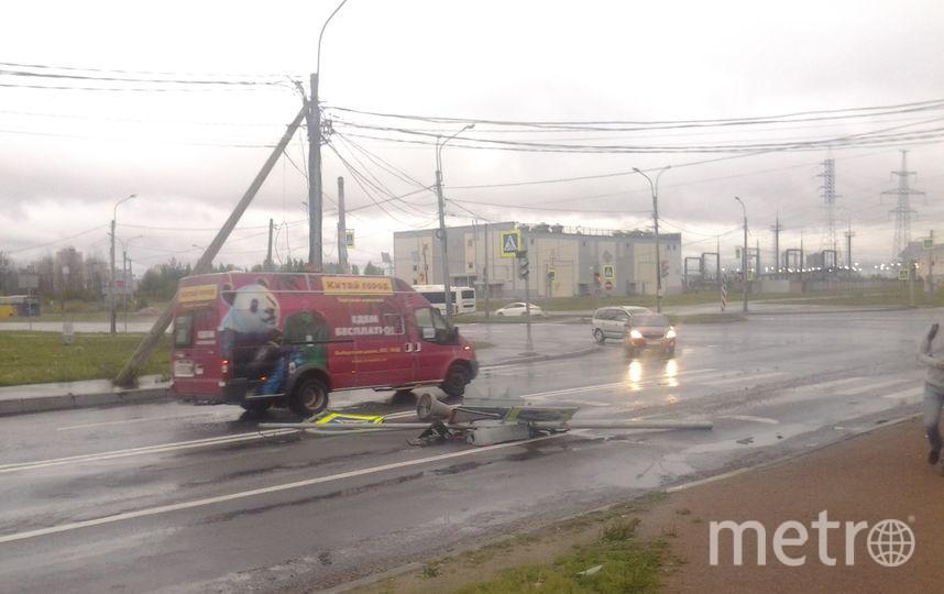 На перекрёстке 3-его верхнего и Энгельса. Фото ДТП и ЧП | Санкт-Петербург | vk.com/spb_today., vk.com
