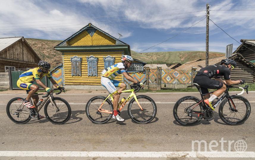 Участникам гонки приходилось выдерживать экстремальные погодные  условия: жару, ливень и сильный ветер. Фото redbullcontentpool.com | Павел Сухоруков