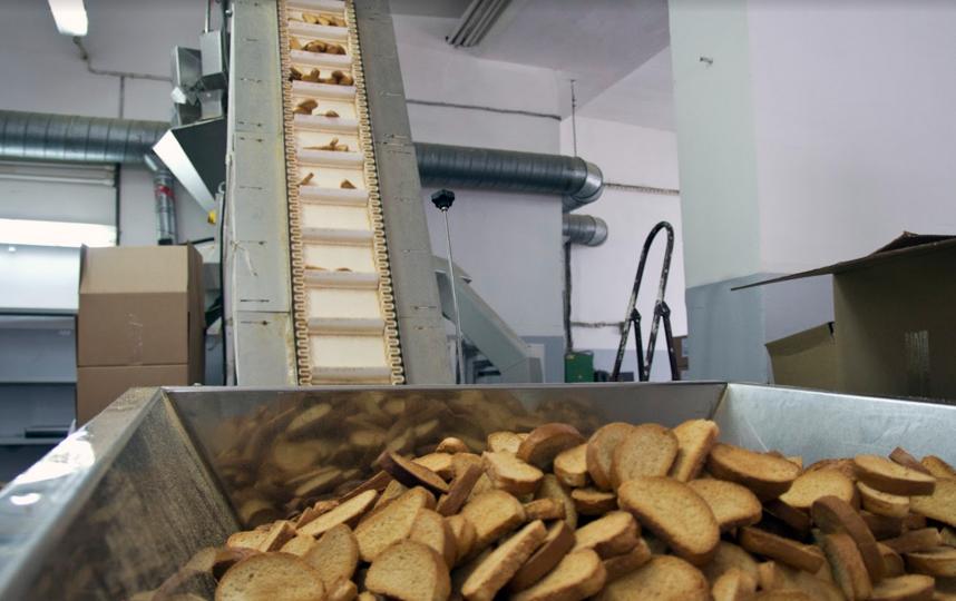 """Сясьстройский хлебозавод изготавливает сухари, печенье и прочие хлебобулочные изделия, предназначенные для длительного хранения. Фото все - Анна Тихонова., """"Metro"""""""
