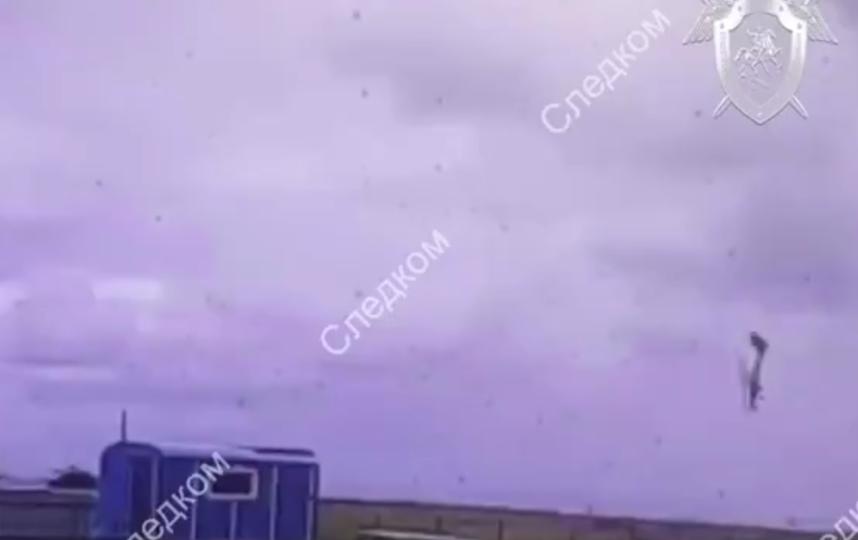 Опубликовано видео крушения самолета в Красноярском крае. Фото скриншот видео twitter.com/sledcom_rf