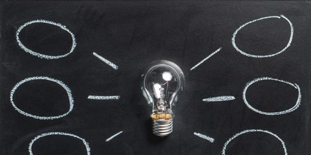 Исполнительные функции (англ. - executive functions) отвечают за внимание, логическое мышление, принятие решений, самоконтроль и решение задач.