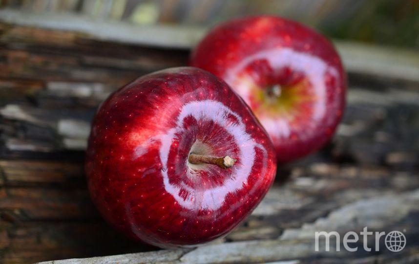 Воск может удерживать в плодах пестициды, но сам по себе он не опасен, так как легко смывается водой. Фото Pixabay
