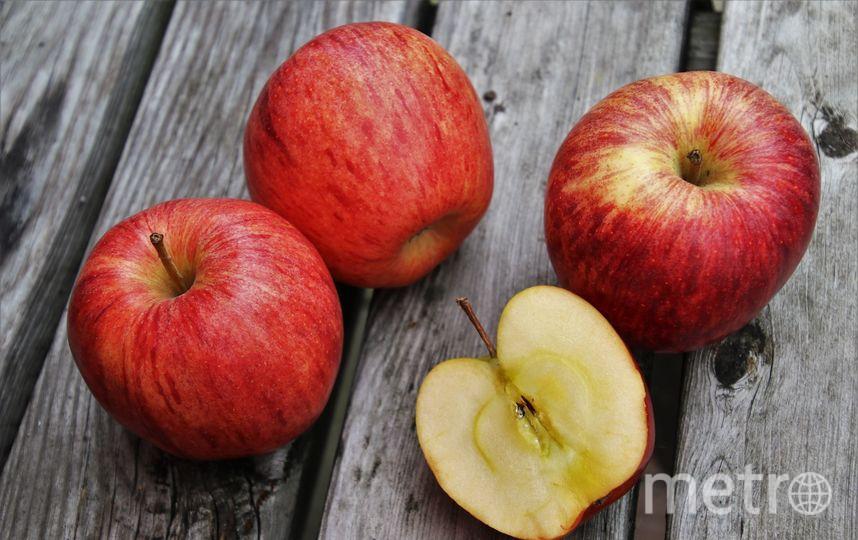 Коричневый налет на срезе появляется вовсе не благодаря железу, а из-за антиоксидантов, которые защищают фрукт от повреждений. Фото Pixabay