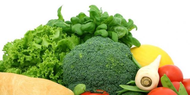 Клетчаткой богаты овощи, фрукты, бобовые и крупы.