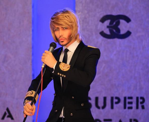 Стилист и певец Сергей Зверев. Фото www.instagram.com/zverevsuperstar