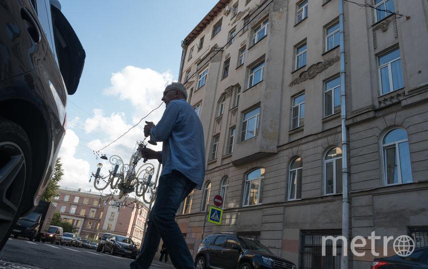 "Дом и двор, где жил Майк Науменко. Фото Святослав Акимов., ""Metro"""