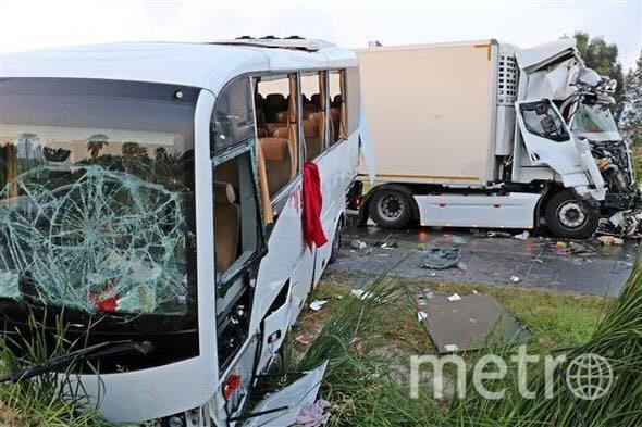 """Фото ДТП с автобусом в Турции появились в Сети. Фото https://t.me/breakingmash, """"Metro"""""""