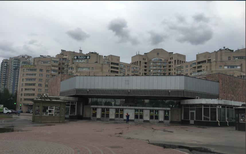 """Фото метро """"Академическая"""" в Петербурге. Фото https://twitter.com/JulieShavel/status/1034707394985689088, """"Metro"""""""