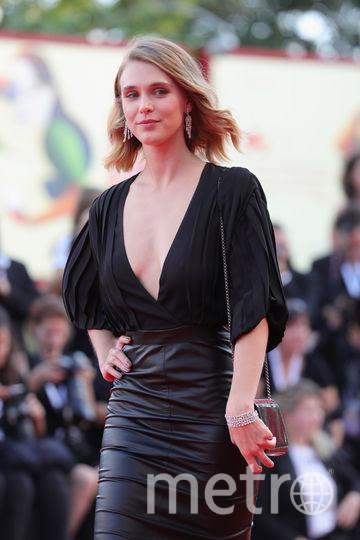 Платья с красной дорожки кинофестиваля в Венеции. Модель Гайя Уайсс. Фото Getty