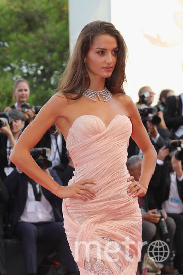Платья с красной дорожки кинофестиваля в Венеции. Фото Getty