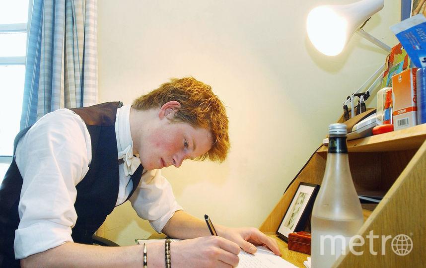 Принц Гарри во время учёбы в Итонском коллдже. Фото Getty