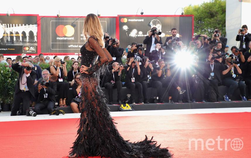 Платья звезд Венецианского кинофестиваля. Модели выбирали очень откровенные наряды. Фото Getty
