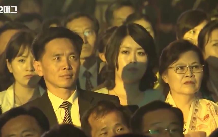 Публика во время выступления девушек практически не улыбалась. Фото скриншот https://twitter.com/adagamov