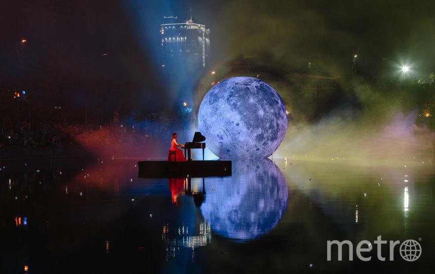 В Парке Горького на поверхности прудов плавает Луна. Фото Предоставлено организаторами