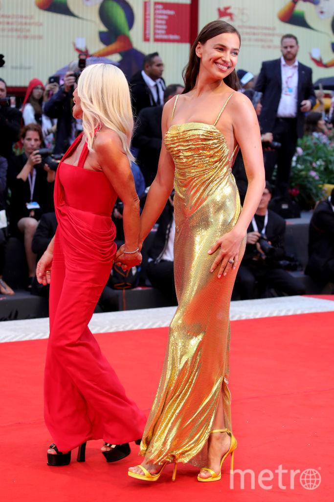 Ирина Шейк и Донателла Версаче, Венецианский кинофестиваль, фотоархив. Фото Getty