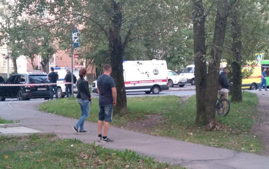 В Петербурге пьяный мужчина открыл огонь из окна жилого дома. Фото скриншот https://vk.com/spb_today
