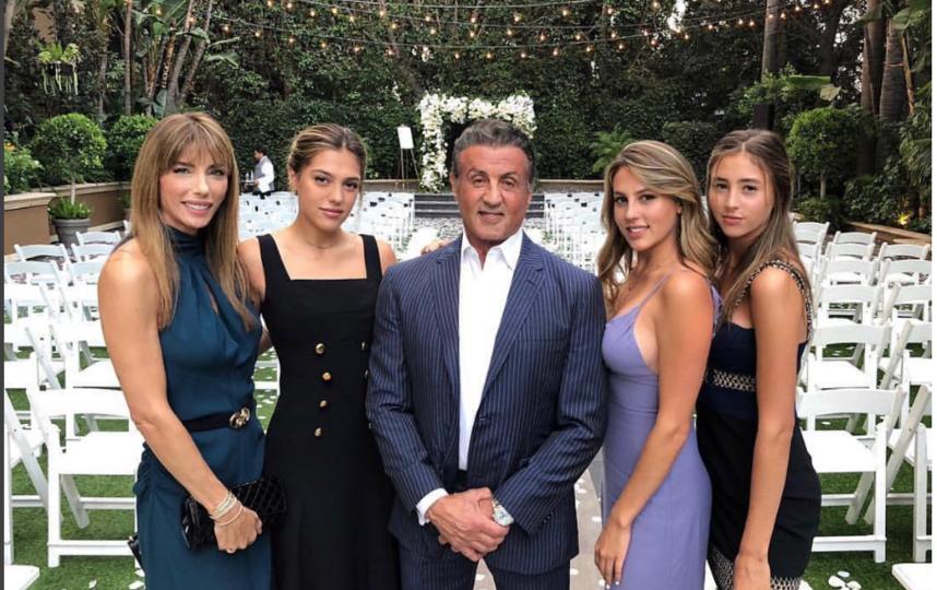 С супругой и дочерьми 2 сентября 2018 года. Фото instagram.com/officialslystallone