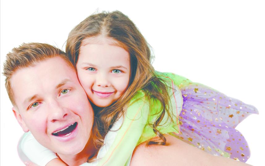 Телеведущий  Александр  Белькович  с дочерью. Фото Пресс-служба