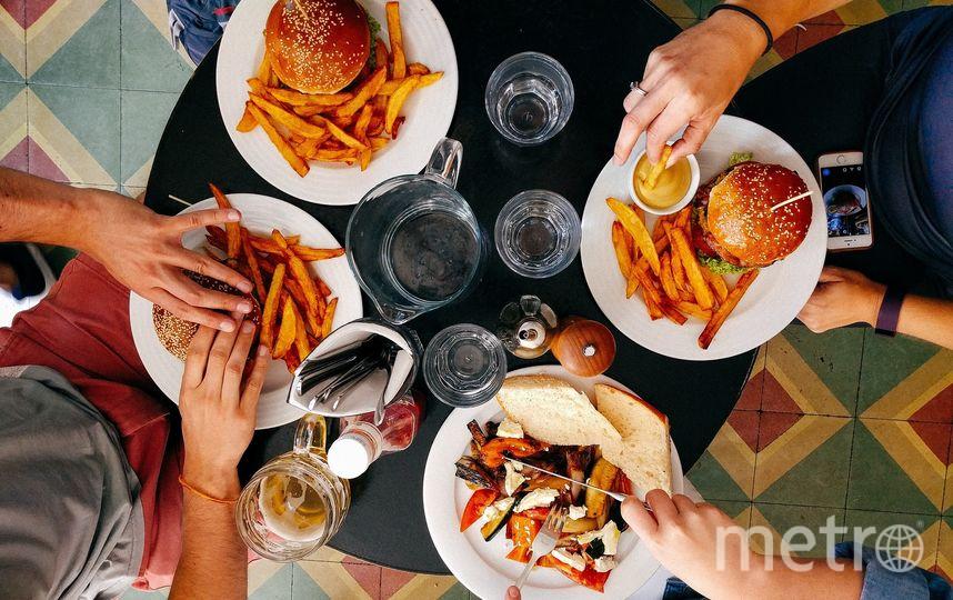 Исследователи сделали вывод, что приём пищи в рамках 10-часового интервала снижает риск возникновения серьёзных заболеваний и помогает увеличить продолжительность жизни даже при нарушении биоритмов. Фото Pixabay
