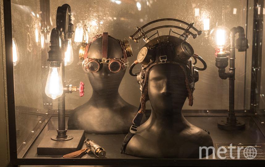 """Шлемы путешественника. Фото Святослав Акимов, """"Metro"""""""