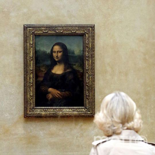 """Картина Леонардо да Винчи """"Мона Лиза"""" находится в Лувре. Фото Getty"""