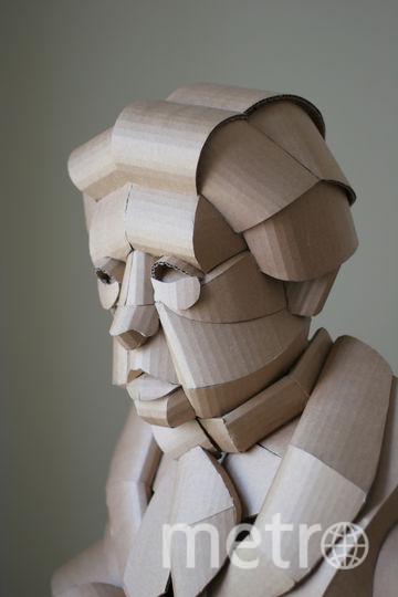 Коробки превращаются в скульптуры. Фото предоставлено Уорреном Кингом