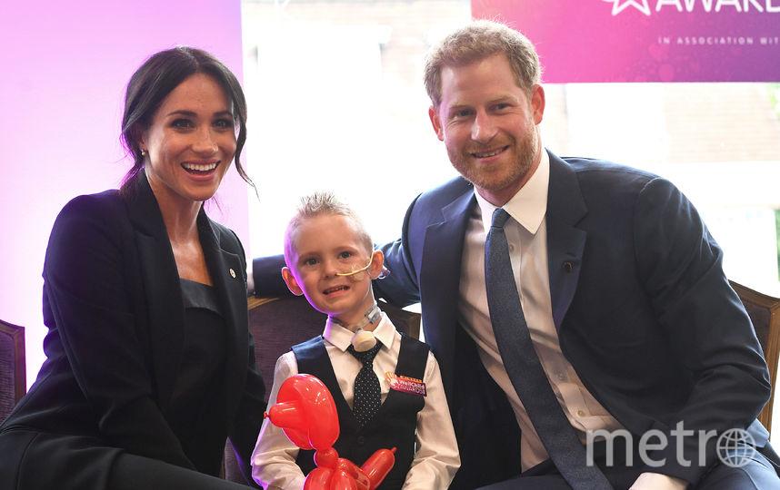 Меган и Гарри с малышом Макензи на WellChild Awards. Фото Getty