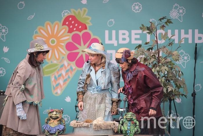 Испанский театр «Фура дель Бауш» устроит грандиозное шоу в Лужниках с летающими артистами и гигантскими куклами. Выступления уличных театров из других стран можно будет увидеть на Манежной площади в течение всех выходных. Фото TRANSE EXPRESS, «Московские сезоны»