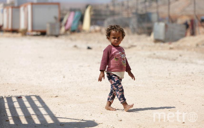 Россия обвинила США в атаке по Сирии. На фото ребёнок, бежавший из Идлиба. Фото AFP